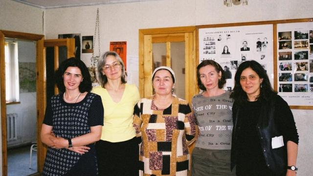 Anna Politkovskaya with Chechen human rights defenders and Amnesty researcher